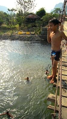 Brücke_Junge