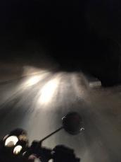 KTM-Helasi_nachts_fahrbahn