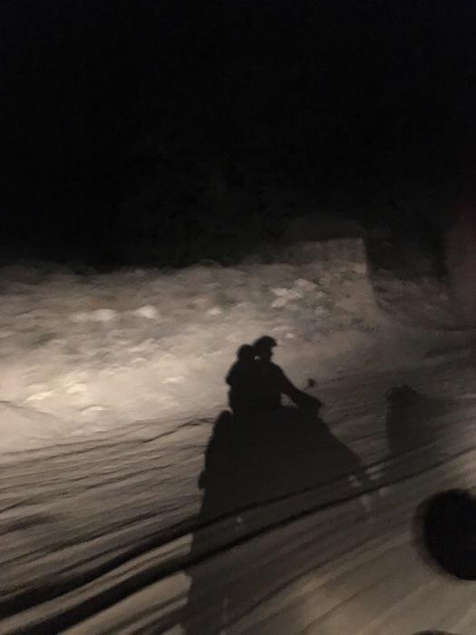 KTM-Helasi_nachts_schatten